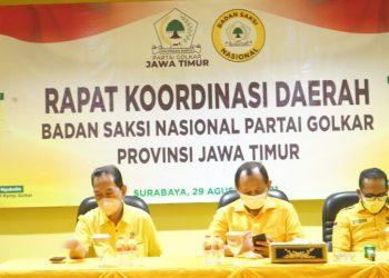 Dari kiri : Hery Sugihono (Kepala BSN Jatim), Ketua DPD Golkar Jatim M. Sarmuji dan Kepala BSM DPP Golkar Syahmud B Ngabalin/Partai Golkar